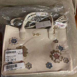 Accessories - Handbag